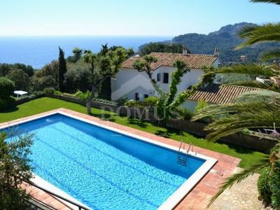 Photo for 2 bedroom Apartment, sleeps 4 in Fornells de la Selva with Pool