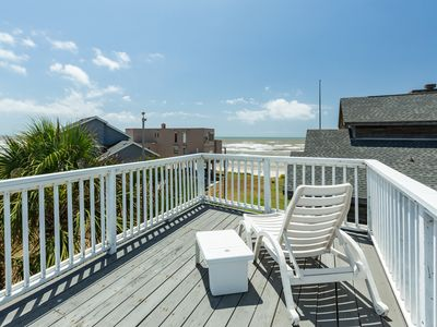 Photo for Dog-friendly oceanfront house with amazing views and easy beach access