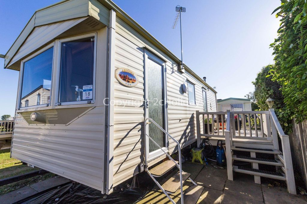 6 berth caravan for hire in California Cliffs in Norfolk ref 50018H - Great  Yarmouth