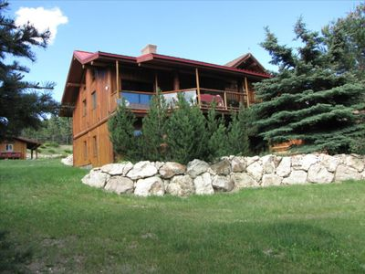 Log Cabin - Stunning Handcrafted Accommodation