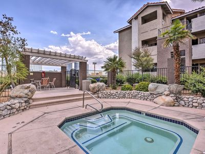 Photo for 1BR Condo Vacation Rental in Las Vegas, Nevada