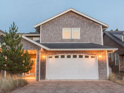 Photo for Haystack Haven #108-4 bed Pacific City home, spacious layout, gas fireplace, WIFI, dog OK