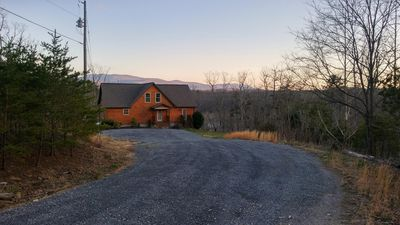 Photo for Bluebird Hill Cabin  2 KING MASTERS Close to SKYLINE DRIVE/WINERIES/CAVERNS