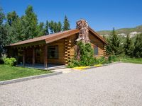 Beautiful property and cabin! Great hosts!