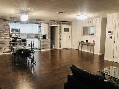 Modern & Rustic Open layout home, Entire home, spacious and Centrally Located!