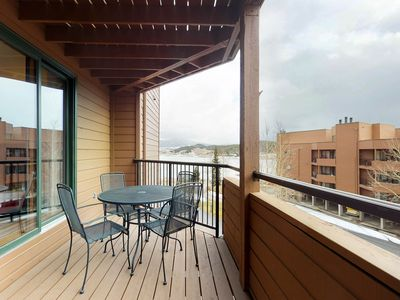 Photo for NEW LISTING! Mountain view condo w/shared hot tub/sauna - near dining