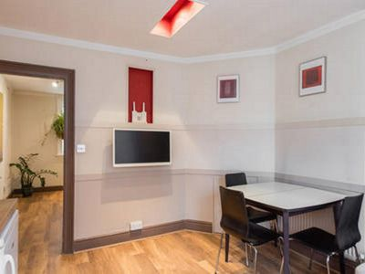 Photo for Central London Two Bedroom Eurostar Apartment