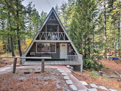 Photo for Ponderosa Estates Cabin, Walk to River & Trails!