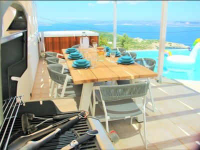 Photo for Luxurious villa with pool, jacuzzi, garden, terrace, sea view and white mountains.