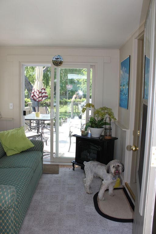 front porch sunroom your home away from home in beautiful niaga vrbo
