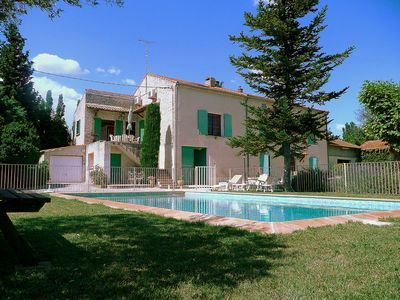 """Photo for Cottage with pool """"Le Mas Morelly"""" Avignon - Isle of Barthelasse."""