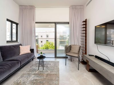 Photo for Elegant Apartment Jonathan in Tel Aviv, with 2 bedrooms, 2 bathrooms, 4 sleeps