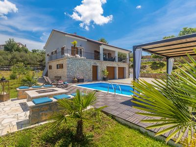 Photo for Luxus Villa mit Pool