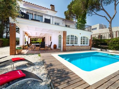 Photo for 3 bedroom Villa, sleeps 6 in Platja d'Aro with Pool, Air Con and WiFi