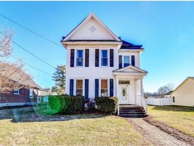 Photo for Private home close to downtown Roanoke and the Blue Ridge Mountains!