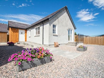 Photo for Detached holiday home in a quiet location yet close to shops in Inshes, Inverness