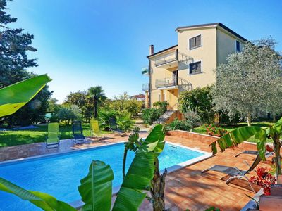 Photo for Apartment Albina (UMA352) in Umag - 5 persons, 2 bedrooms