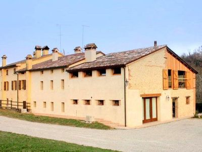 Photo for Authentic holiday accommodation on a farm, near Asolo.
