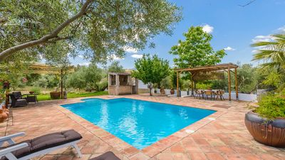 Photo for 8-people holiday home with spacious outdoors in the Sierra de Cadiz