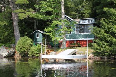 Relax and enjoy life  here at the lake!