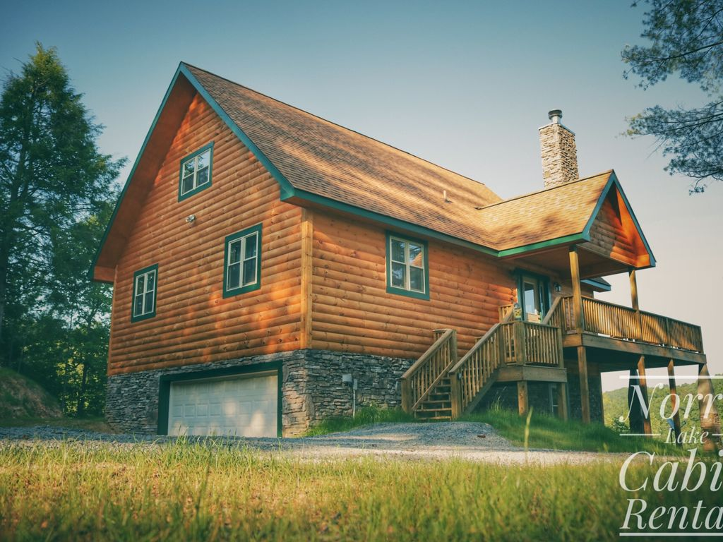 Owl 39 s nest is a secluded lakefront log cabin norris lake for Secluded cabin rentals on lake tennessee