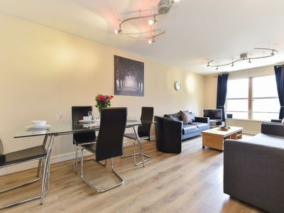 Photo for Apartment London House in London City - 4 persons, 2 bedrooms