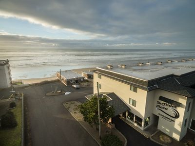 Photo for Enjoy this ground floor 1 bedroom moments from the beach in Lincoln City, OR!