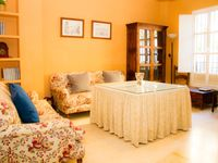 Comfortable and well equipped, close to Seville's magnificent gardens and city centre