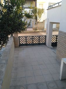 Photo for Ground floor apartment with private courtyard 150 meters from Playa del Sol