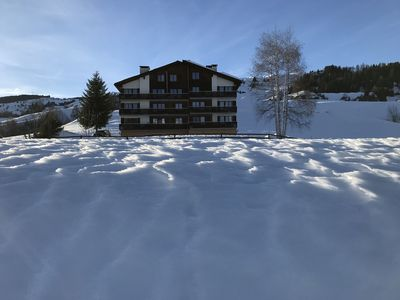 Photo for 3 1/2-room-apartment with pool in skiing area Obersaxen