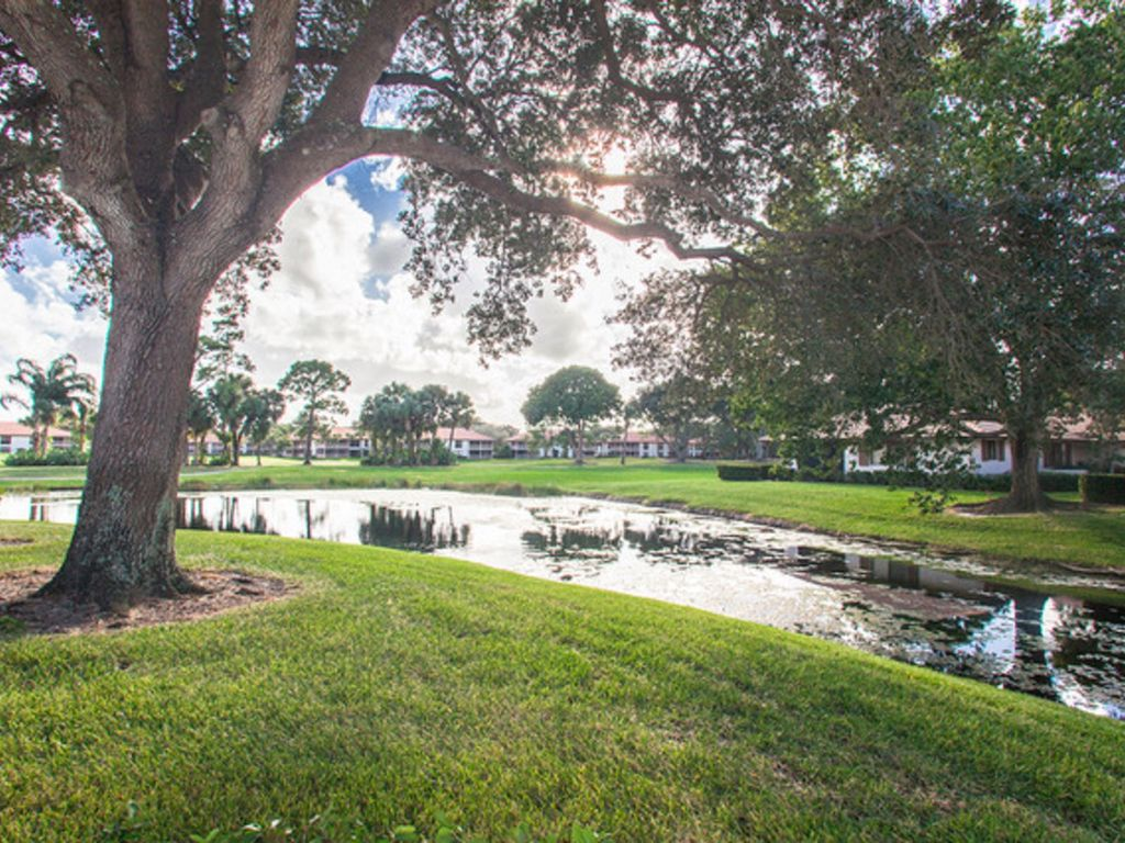 Gorgeous Club Cottage in PGA National for Rent, Palm Beach Gardens ...