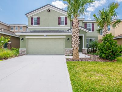 Photo for 6 Bedroom 4 Bath with lake view only 10 mins to Disney