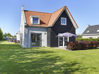 Photo for 8-person residence in the holiday park Landal Strand Resort Nieuwvliet-Bad - on the coast/the beach