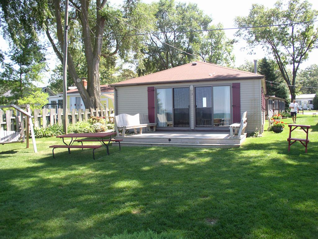 Sunset beach cottages 3 3 br vacation cottage for rent for Porto austin cabin rentals