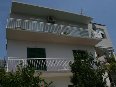 Photo for One bedroom apartment with terrace Podgora, Makarska (A-6645-a)