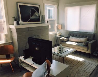 Photo for Enjoy a Modern Home in the East Bay!