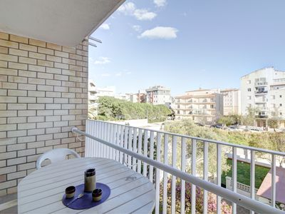 Photo for Spacious apartment, located in a nice residence just 100 meters from the beach.