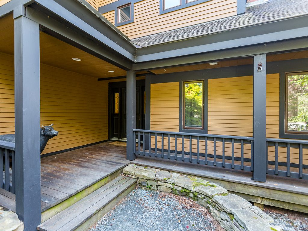 Incredible 4br 4ba home sets the bar for stratton views for Stratton house
