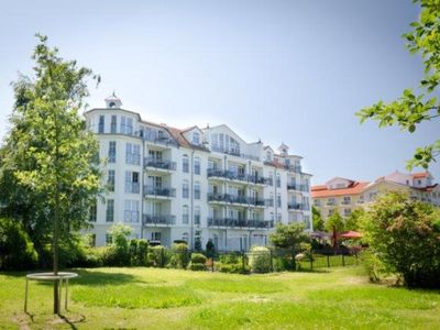"""Photo for (407) 3 room apartment - direct lake view - Apartment house """"Atlantic"""""""