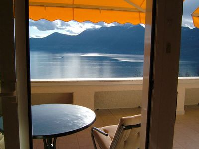 Photo for Cozy 3-room apartment with breathtaking views of Lake Maggiore
