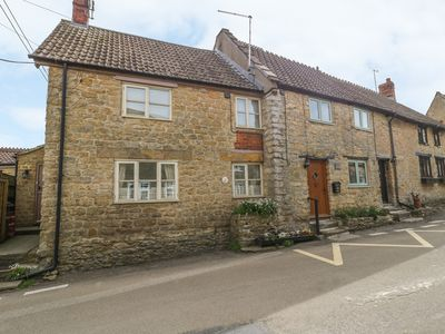 Photo for Wills Cottage, HASELBURY PLUCKNETT