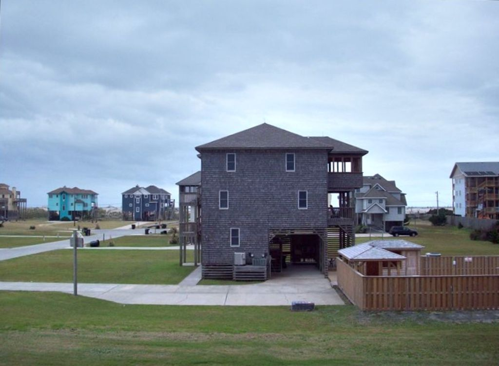 rodanthe girls 70 reviews of stingwrays bar & grill i decided to give this place another try after an un what's a girl to do photo of stingwrays bar & grill - rodanthe.