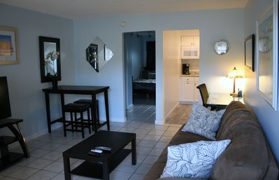 Photo for Charming 1/1 - Near Beach Downtown And Airport
