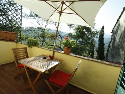 Photo for Hilltop paradise cottage, a stone's throw from Florence..!