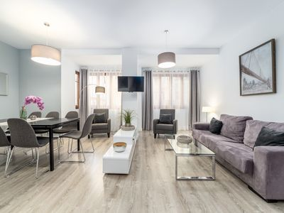 Photo for TH 1B Ayuntamiento - Apartment for 8 people in Valencia
