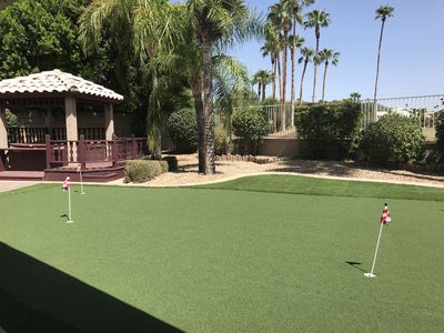 Photo for 4 bedroom, putting green, pool table, Spa, and on the golf course! Luxury