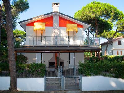 Photo for Rosolina Mare Villa apartment in the pine forest with large terrace and barbecue