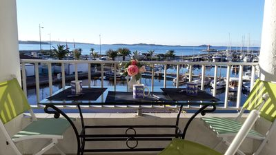 Photo for Superb apartment with seaside view