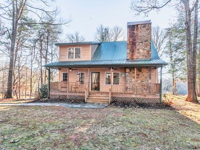 Photo for Pet Friendly -Secluded Mountain Retreat 20 Min to Downtown Asheville