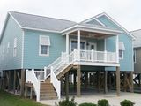 Brand New Beach House That Sleep 10, Great Location, Family-friendly And Clean!